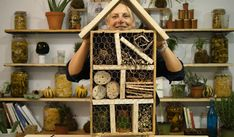Tutorial: Build an insect hotel and promote biodiversity in your garden - Darrell Pideon Permaculture, Jardin Decor, Insect Hotel, Cold Brew Coffee Maker, Expensive Gifts, Potager Garden, Coffee Lover Gifts, How To Make Tea, Parent Gifts