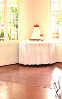 Weddings at the 173 Carlyle House in Norcross GA, Love the wedding cakes.