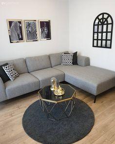 This scholarship frequent at the house. Home Design Decor, House Design, Wooden Shelves, Sofa Design, Interiores Design, Living Room Designs, Modern Design, Sweet Home, Room Decor