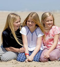Queen Maxima and King Willem-Alexander, with Princess Amalia and Princess Alexia and Princess Ariane with dog Skipper pose for the media during the annual summer photo session on the beach near Meijendel in Wassenaar on July Dutch Princess, Royal Princess, Dutch Royalty, Three Daughters, Three Sisters, Royal Babies, Royal Girls, Queen Maxima, Summer Photos