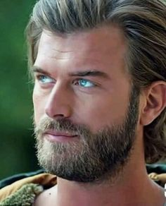 Kivanç Tatlitug Cesur ve Guzel Cesur Turkish Men, Turkish Beauty, Turkish Actors, Netflix, Ideal Man, Hair And Beard Styles, Actor Model, Models, Beauty Photography