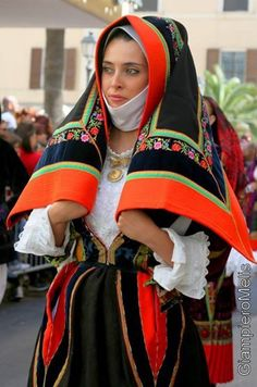 costumi tradizionali sardi - Cerca con Google
