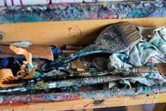 paints - brushes - - palette Michelle Miller Painting in her studio in Victoria BC - Abstract artist Henri Matisse, Sculpture Art, Abstract Art, Palette, Victoria, Visual Arts, Studio, Brushes, Artwork