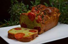 Miam Miam ! Un cake au pesto et tomates cerises !  #recette #cake #tomate #pesto