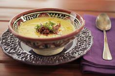Sozinha, a sopa cremosa e adocicada já é uma delícia... Agora com a carne seca, salgadinha, o preparo ganha cor e sabor novos. Ainda bem que o outono chegou!
