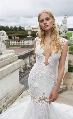 Courtesy of Nurit Hen Wedding Dresses; www.nurit-hen.com