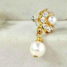 Drop earrings rhinestones faux pearls flower shape goldtone pierced  #Unbranded #DropDangle