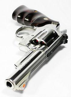 Револьвер =)