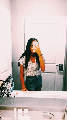 Mar 2020 - Hi I'm a new account! Would you mind checking me out? Casual School Outfits, Cute Comfy Outfits, Cute Casual Outfits, Teen Fashion Outfits, Cute Summer Outfits, Cute Fashion, Outfits For Teens, Spring Outfits, Women's Fashion