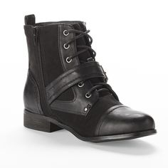 """black ankle combat boots black poppy """"front lace up boots"""" from pacsun. buckle front, side zipper, stitched body, 7"""" total height. super cute and comfortable! feel free to ask any questions!  ❌ no trades ❌ no PayPal ❌ no asking for the lowest price Black Poppy Shoes Combat & Moto Boots"""