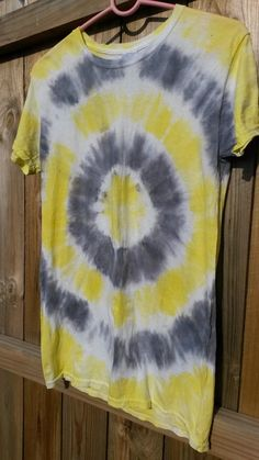 Check out this item in my Etsy shop https://www.etsy.com/listing/196336407/black-and-yellow-bullseye-style-tie-dye