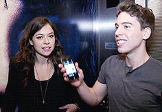 tatiana maslany and jordan gavaris