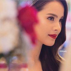Yaya Urassaya Beautiful Eyes, Beautiful People, Beautiful Women, Pure Beauty, Beauty Art, Mark Prin, Holy Chic, Beauty Around The World, Asian Makeup