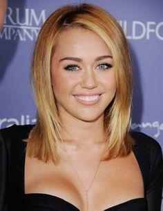 Pin for Later: Der Clavicut: Die schönsten mittellangen Haarschnitte der Stars Miley Cyrus