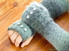 Two Turtle Gloves ;) Easy, awesome tutorial for turning an old sweater (or similar wooly item) into these fingerless gloves. Sweater Mittens, Fingerless Mittens, Wooly Jumper, Wool Sweaters, Fabric Crafts, Sewing Crafts, Sewing Projects, Wrist Warmers, Hand Warmers