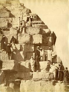 Egypte, Caire, Ascension de la Grande Pyramide    #Afrique_Africa #Egypte