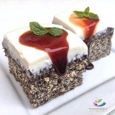Zdravý makovec bez cukru a mouky je dokonalý fit dezert na hubnutí. Zdravý makovec bez cukru a mouky je nejen velmi chutný, ale taky ho zvládne každý. Healthy Deserts, Healthy Dessert Recipes, Healthy Baking, Healthy Treats, No Bake Desserts, Raw Food Recipes, Sweet Recipes, Cookie Recipes, Breakfast Snacks