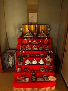 'Hinamatsuri', celebrating the day March 3rd,for girls.Japanese girls have their dolls 'Ohinasama'.It's very beautiful,but I used to play this as a toy when I was young.