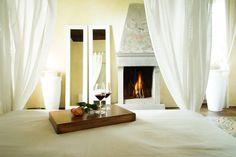 Resort Villa Cassia di Baccano - San Giustino - Arezzo  Camera con caminetto.   #Toscana #Valdarno #Arezzo #vacanze #amore #romantico