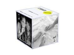 Pt Retro Perspex Photo Frame Cube