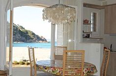Begur (Cataluna), Sa Rierra, heel klein maar fijn appartement (4 pers), uniek gelegen direct aan het strand op een van de mooiste stranden van Spanje.
