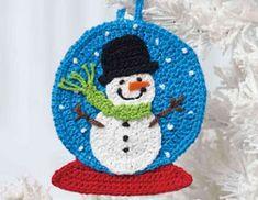 Snow Globe Ornament pattern by Jennifer E. Ryan Ravelry: Snow Globe Ornament-Muster von Jennifer E. Crochet Christmas Decorations, Crochet Christmas Ornaments, Crochet Decoration, Christmas Crochet Patterns, Holiday Crochet, Crochet Snowflakes, Crochet Gifts, Diy Crochet, Yarn Crafts