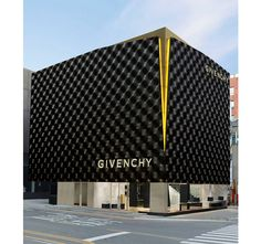 Givenchy has launched its new store in the heart of a thriving retail district, Cheongdam, Seoul