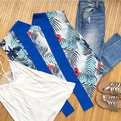 Top blanco + jeans + #islaV  isla convierte un look básico en un look especial, con estilo y personalidad. Recuerda que cada isla está hecho a mano y es único 🔝 ¡Muy pronto en nuestra #shoponline! #moda #kimono #fashion #instafashion #instapic #outfit #newin #look #estilo #shopping #handmade #madeinspain #limitededition #estilomediterráneo #mediterranean #clothes #craftsposure #makersvillage