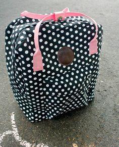 Punatukka ja kaksi karhua: Reput valmiina Diy Bags Purses, Fabric Bags, Crafts To Do, Louis Vuitton Speedy Bag, Diy Design, Weaving, Backpacks, Crafty, Handicraft Ideas