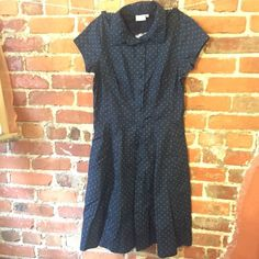 """Eshakti sz M - 10 Navy w/green squares dress Brand: Eshakti Type: button down front dress Size: m - 10 Fabric: 100% Cotton Condition: New without tags but extra buttonsColor: Navy blue with green squaresMeasurements: Waist – 15"""" across the front, lying flat. Shoulder to hem- 39.5"""" Bust - 18.5"""". ⬆ ️Measurements & info ⬆️ ✅ YES - Offers, bundles, questions ✅  NO - Trades, holds, PP  ⭐️ All items are authentic ⭐️  20% off bundles  Eshakti Dresses"""