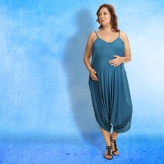When it comes to these maternity looks by KATYAUSA, expectations go beyond that of a baby. Anticipate finding your best mom-to-be wardrobe from their stylish line of on-trend dresses and separates.