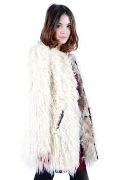 Faux Fur Coat// cute//