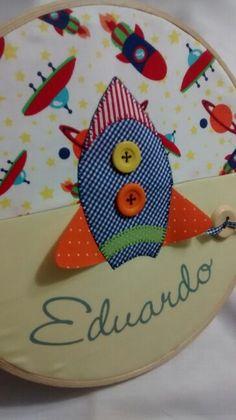 Quadro bastidor maternidade. www.coresealgodao.com.br