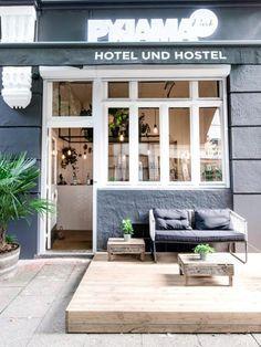 Eine stylishe Unterkunft im Urlaub muss nicht die Welt kosten. Daher kommen hier die 12 coolsten Hostels in Europa für alle mit eher kleinem Reisebudget.