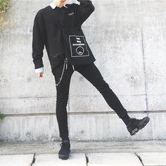Black Outfit Edgy, Edgy Outfits, Urban Outfits, Cool Outfits, Fashion Outfits, Vintage Street Fashion, Look Man, Korean Fashion Men, Androgynous Fashion