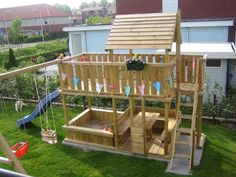 Childrens Playhouse Plans 357473289176285383 - Spielgerät Kinderspielhaus Spielturm Schaukel Rutsche Source by solenecipiere Backyard Swing Sets, Backyard Playset, Backyard Playhouse, Backyard For Kids, Backyard Projects, Build A Playhouse, Playhouse Slide, Backyard Fort, Kids Outdoor Play