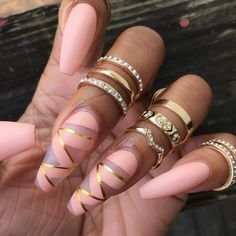 Pretty Nail Designs Youll Want To Copy Immediately ★ See more: http://glaminati.com/pretty-nail-designs-want/
