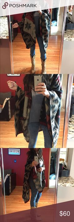 Western print poncho Super soft, western print poncho, worn once, amazing quality and beautiful colors! One size Sweaters Shrugs & Ponchos