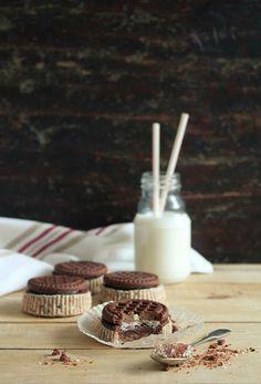 mini cookies & cream cheesecakes