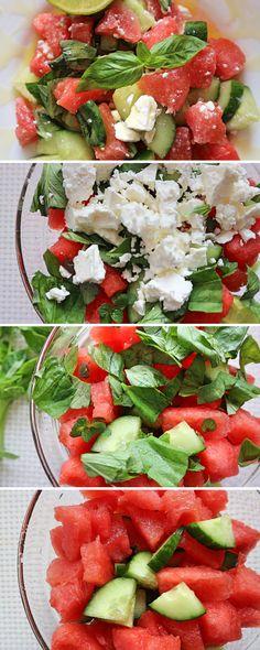 Bist du auf der Suche nach einem gesunden und leckeren Sommer Rezept für einen Salat? Wie wäre es mit diesem Wassermelonen-Gurken-Salat? Er enthält neben Wassermelone und Gurke auch Feta, Basilikum, Minze und wird mit der Honig-Limetten-Sauce serviert. Dadurch schmeckt der Wassermelonensalat gleichzeitig fruchtig, süß, salzig und sauer. #wassermelonensalat #WassermelonensalatMitFeta