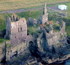 Castle Sinclair Girnigoe is a castle located about 3 miles north of Wick on the east coast of Caithness, Scotland, United Kingdom. It is considered to be one of the earliest seats of Clan Sinclair.