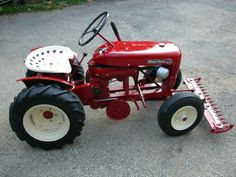 Craftsman Riding Mower 456341374744233072 - 1958 Wheel Horse Source by Yard Tractors, Lawn Mower Tractor, Small Tractors, Antique Tractors, Vintage Tractors, Vintage Trucks, Old Ford Trucks, Toy Trucks, Pickup Trucks