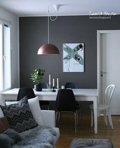 neovia house: Epäsymmetriaa // Asymmetrical display Display, Dining, Kitchen, House, Floor Space, Food, Cooking, Billboard, Home