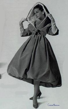 Couture Allure Vintage Fashion: Weekend Eye Candy - Givenchy, 1958