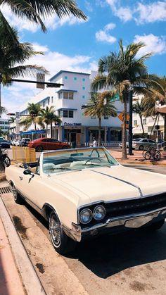 Pretty Cars, Cute Cars, Cool Old Cars, Classy Cars, Sexy Cars, My Dream Car, Dream Cars, Wolkswagen Van, Carros Retro