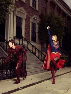 Grant Gustin as Barry Allen/The Flash and Melissa Benoist as Kara Danvers/Supergirl on the set of Supergirl Flash Y Supergirl, Supergirl 2015, Supergirl Comic, Melissa Benoist, Archie Comics, The Cw, Gilmore Girls, Marvel Dc, Supergirl Crossover