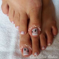 French Manicure Designs, Pedicure Designs, Pedicure Nail Art, Toe Nail Designs, Nail Polish Designs, Nail Spa, Diy Nails, Pretty Toe Nails, Gorgeous Nails