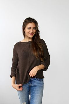 Weekend Slouchy Sweater knitting pattern by Two of Wands // inside out seams and drop sleeves easy summer sweater pattern Slouchy Sweater, Poncho Sweater, Knit World, How To Make Clothes, Making Clothes, Sweater Knitting Patterns, Crochet Sweaters, Summer Sweaters, Summer Design