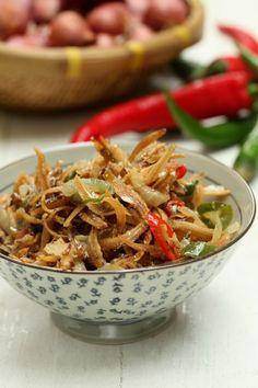 masam manis: Petua Ikan Bilis Goreng Lebih Rangup Malaysian Cuisine, Malaysian Food, Malaysian Recipes, Fish Recipes, Asian Recipes, Healthy Recipes, Ethnic Recipes, Anchovy Recipes, Malay Food