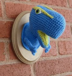Crochet dinosaur taxidermy FTW craft-ideas if anyone finds this pattern anywhere let me know!